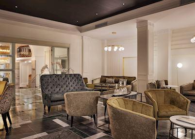 Hotel Grand Windsor Lobby