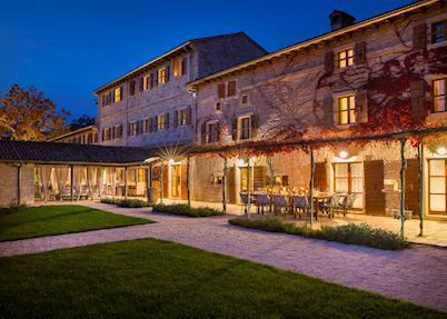 Meneghetti Wine Hotel, Bale