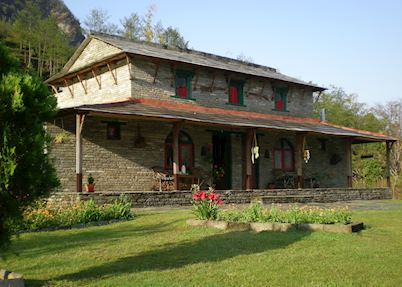 Gurung Lodge, Tanchock