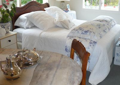French cottage, Bed of Roses, Kerikeri