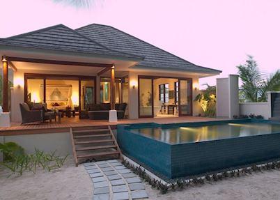 Hilton Labriz, Silhouette Island