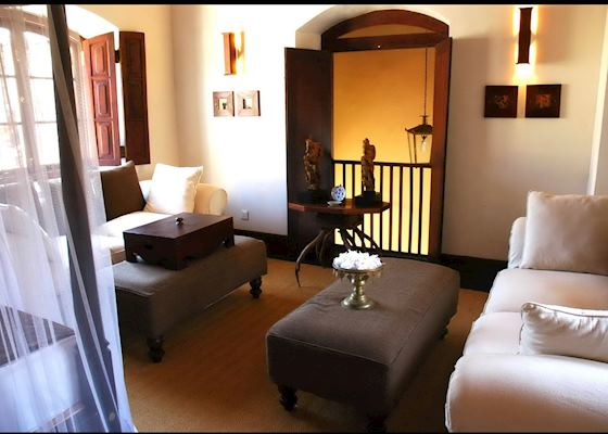 Library Suite Galle Fort Hotel