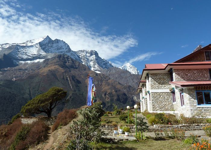 Everest Summit Lodge Mende, Mende