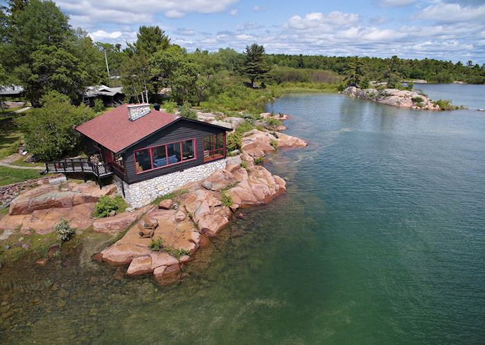 Killarney Mountain Lodge, Killarney Provincial Park