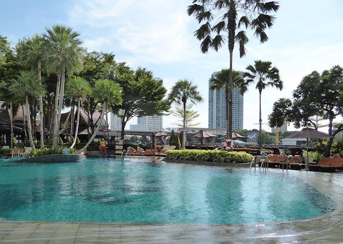 Pool, Shangri La