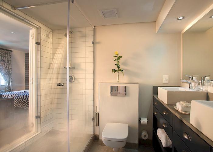 The Portswood Hotel, bathroom
