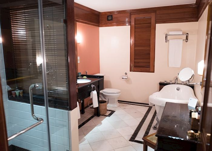 Executive suite bathroom, Savoy Hotel