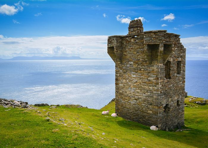 Ruined tower near Slieve League