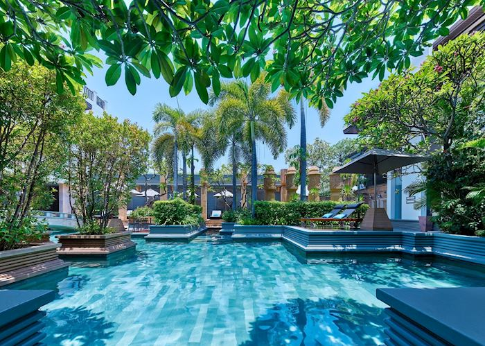 Park Hyatt freeform swimming pool