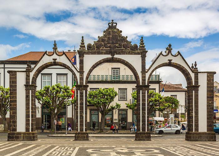 Portas da Cidade, Ponta Delgada, São Miguel