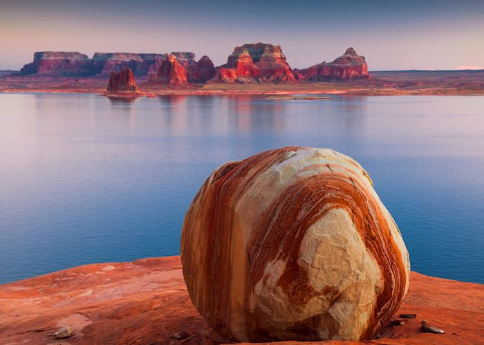 Padre Bay Rock, Lake Powell