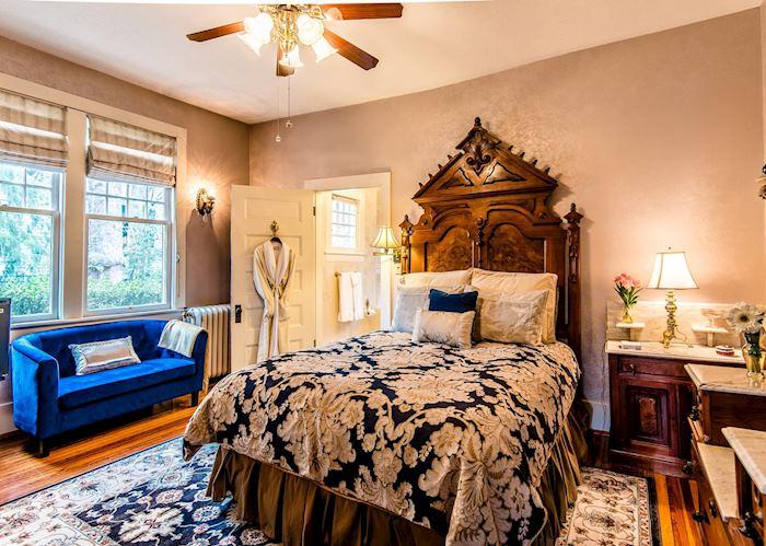 Victorian Room at Cumberland Falls