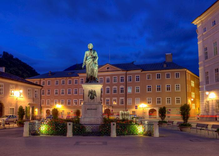 Mozartplatz at dusk