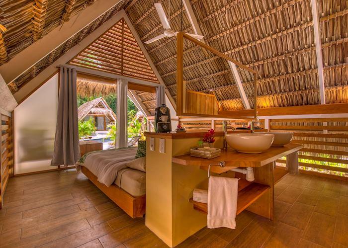Triple bungalow, Shawandha Lodge