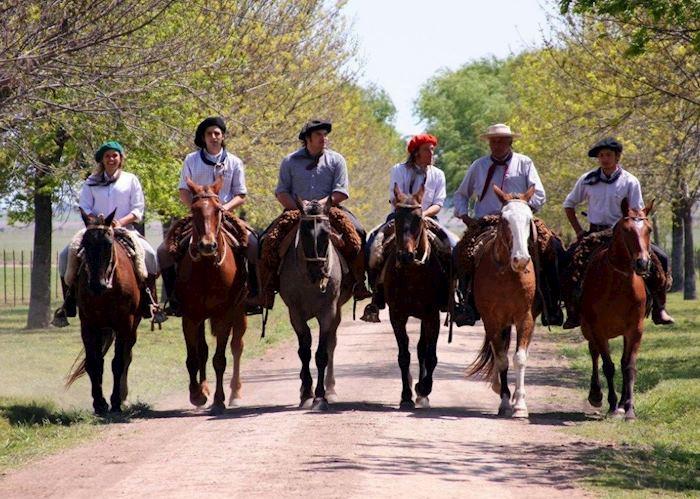 Gauchos at Estancia El Ombu