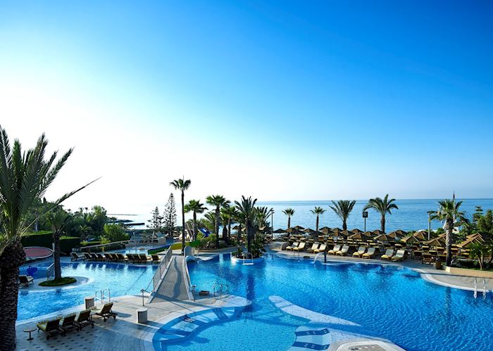 Main pool, Four Seasons Limassol