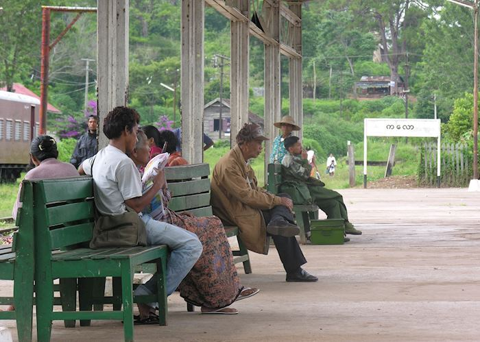 Waiting for a train, Kalaw