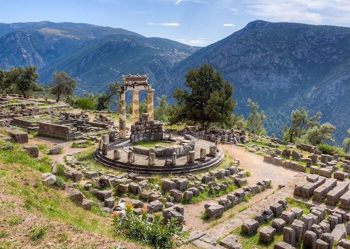 Sanctuary of Athena Pronea, Delphi