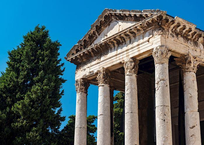 Roman Temple, Pula