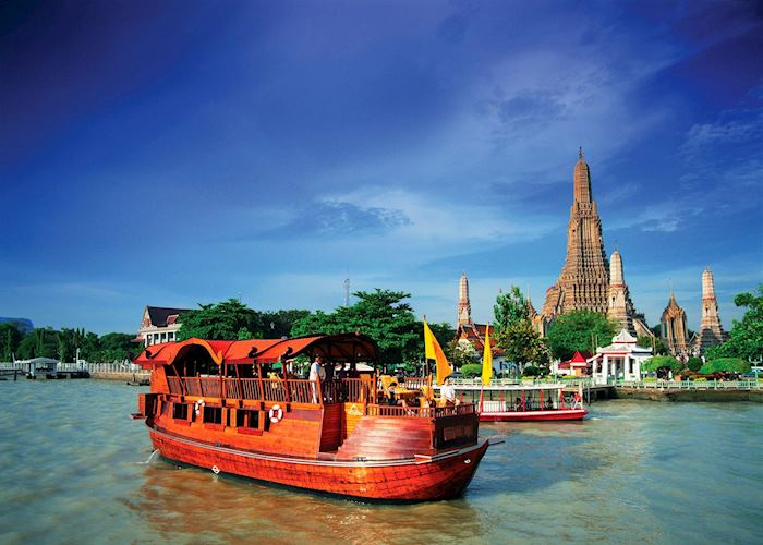 Anantara Song cruising on the Chao Phraya River