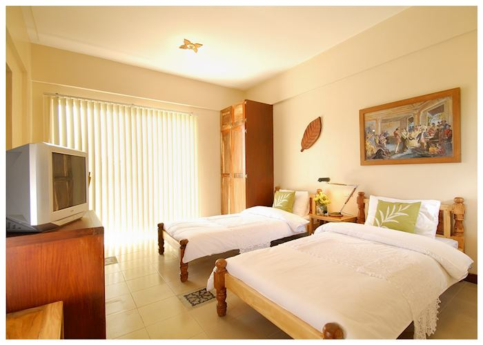 Superior twin room, Amarela