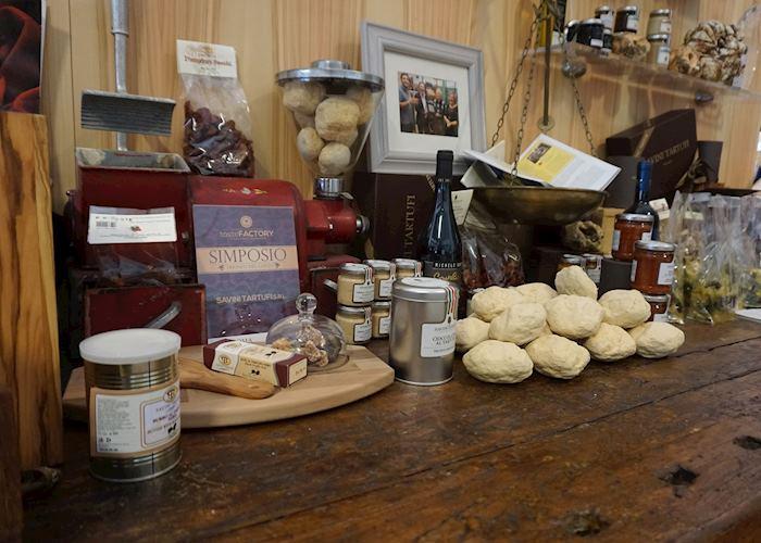 Savini Tartufi truffle produce, Tuscany
