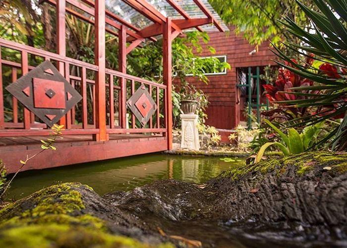Chalet Kilauea gardens