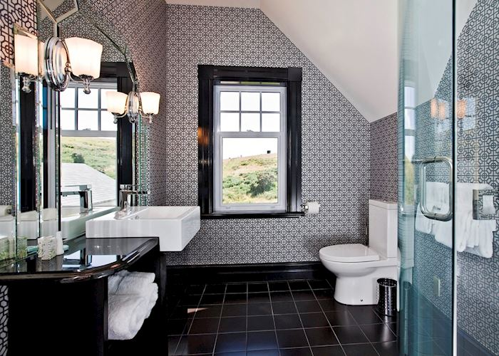 En Suite Bathroom, Camp Estate, Dunedin