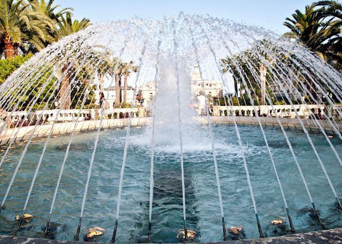 Fountain, Monte Carlo
