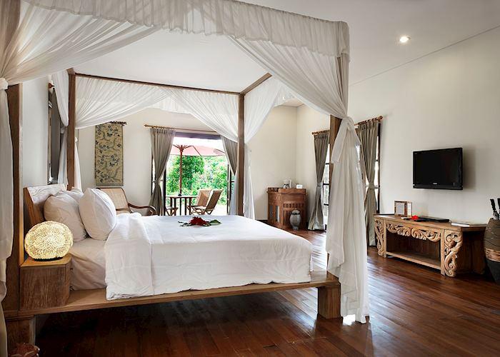 Grand Garden bedroom, Plataran Borobudur Resort & Spa, Yogyakarta