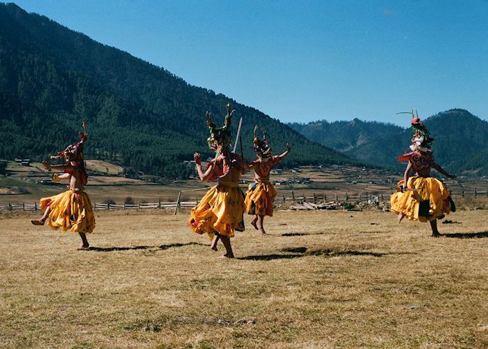 Local dance arranged by Gangtey Lodge