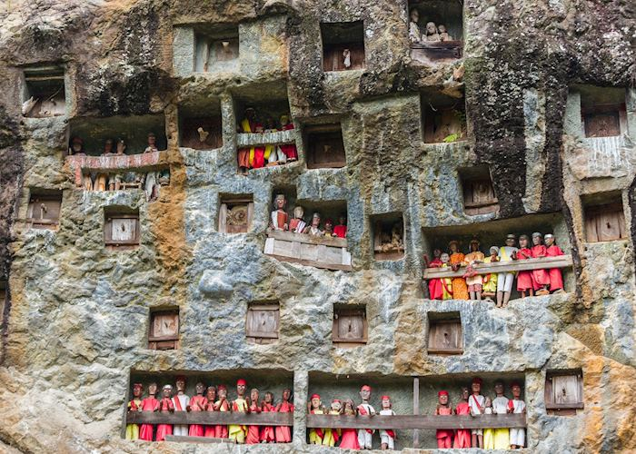 Cliff Graves, Lemo, Toraja