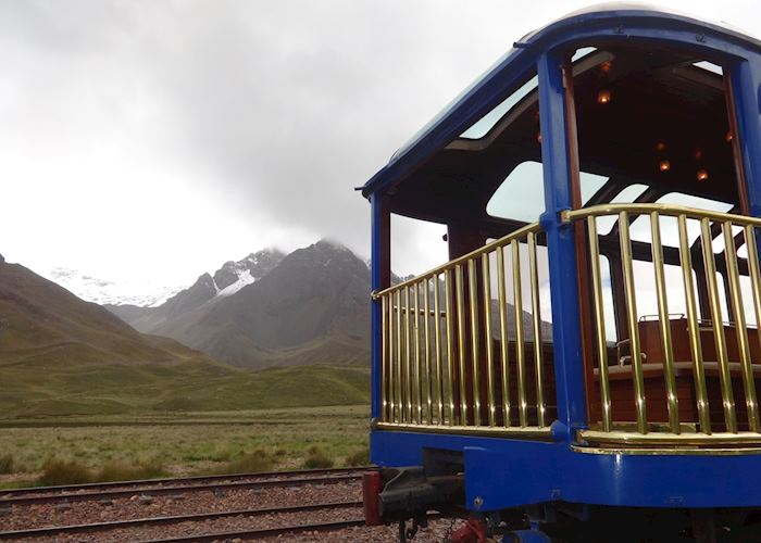 Train between Cuzco and Puno