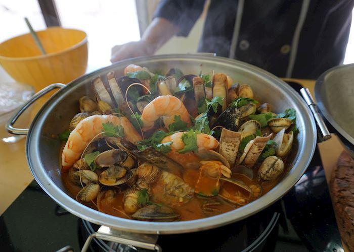 Cooking cataplana, Algarve