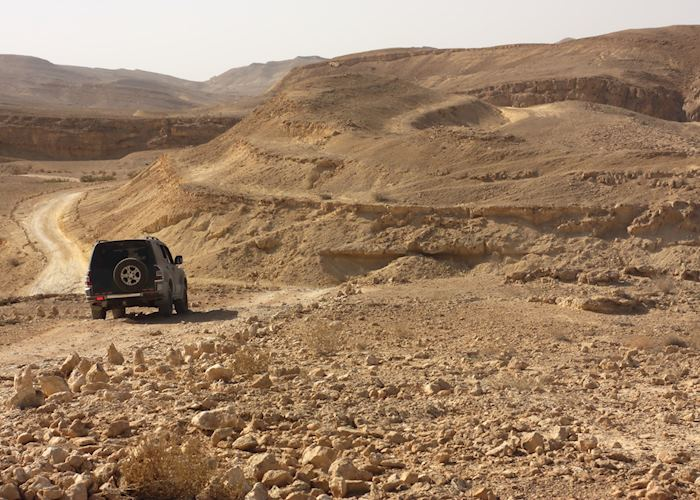 Off-roading in Makhtesh Ramon
