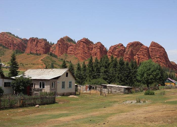 Seven Bulls Rock Formation, Jeti Oghuz