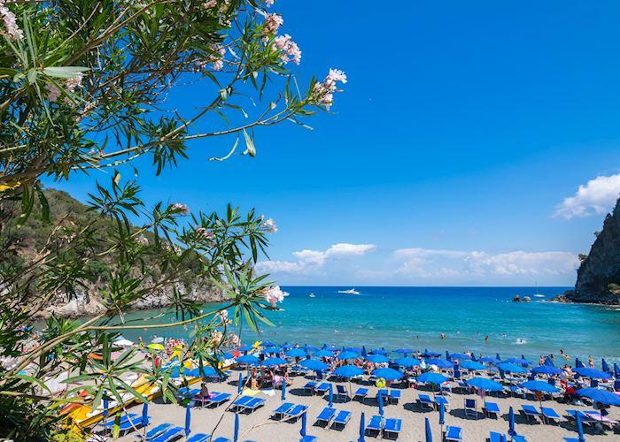 Negombo beach, Ischia