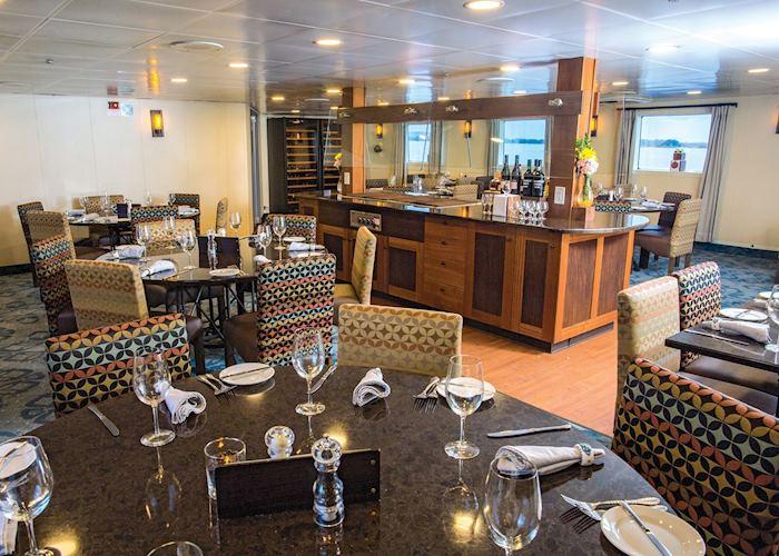 Dining Room, Safari Voyager