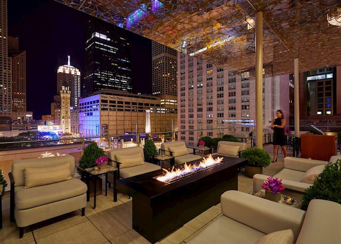 The Peninsula Chicago - Z Bar Exterior