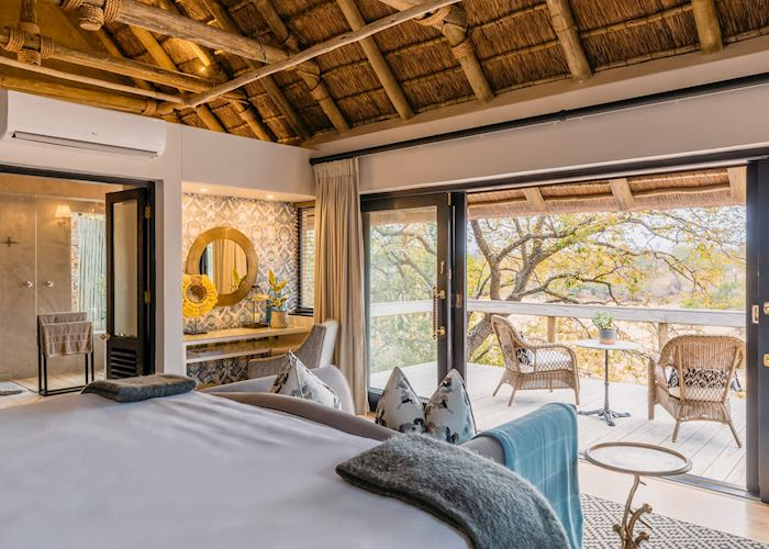 Luxury suite, Thornybush Game Lodge, Thornybush Private Game Reserve