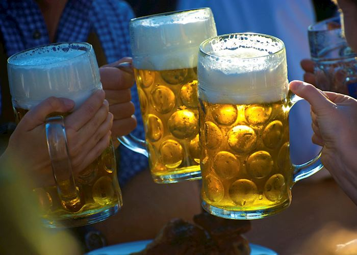 Toasting beers, Munich