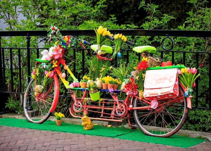 A decorative bicycle in Edam