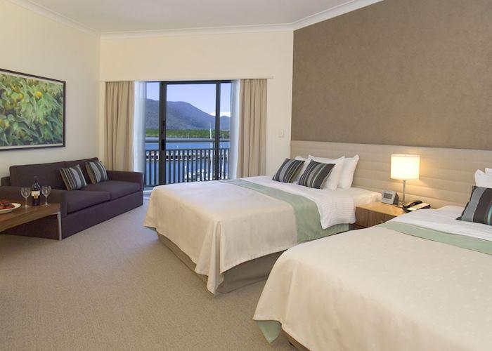 Shangri-La, Cairns