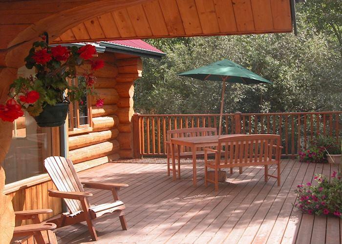 Inn on the Lake, Marsh Lake