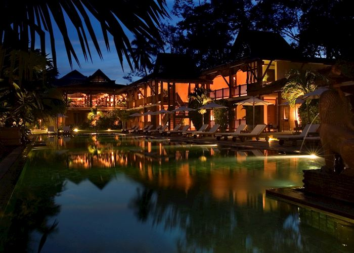 La Residence d'Angkor Hotel by night, Siem Reap