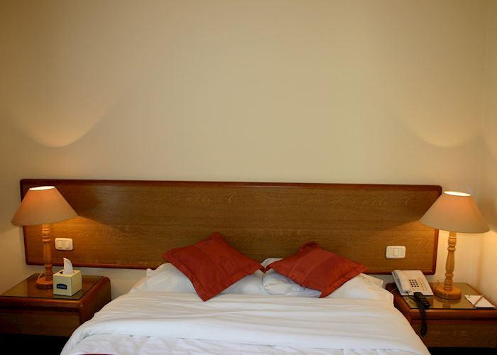 Club room, Al Qasr Metrolpole Hotel