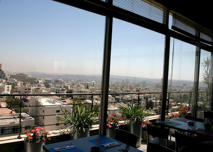 Vinaigrette Restaurant, Al Qasr Metropole Hotel