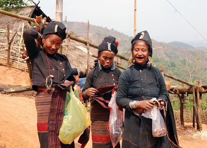 Trekking near Kyaingtung you will meet women of the Ann tribe