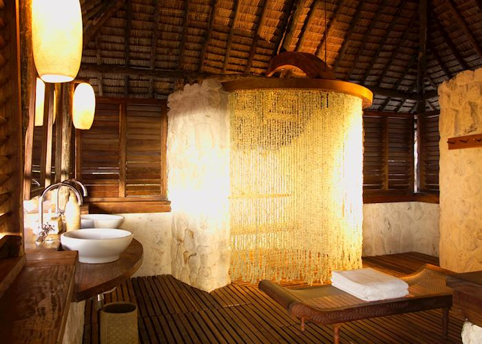 Bathroom at Mnemba Island Lodge