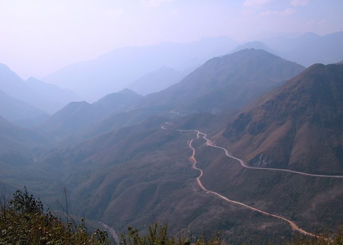 Mountain pass to Ha Giang Town